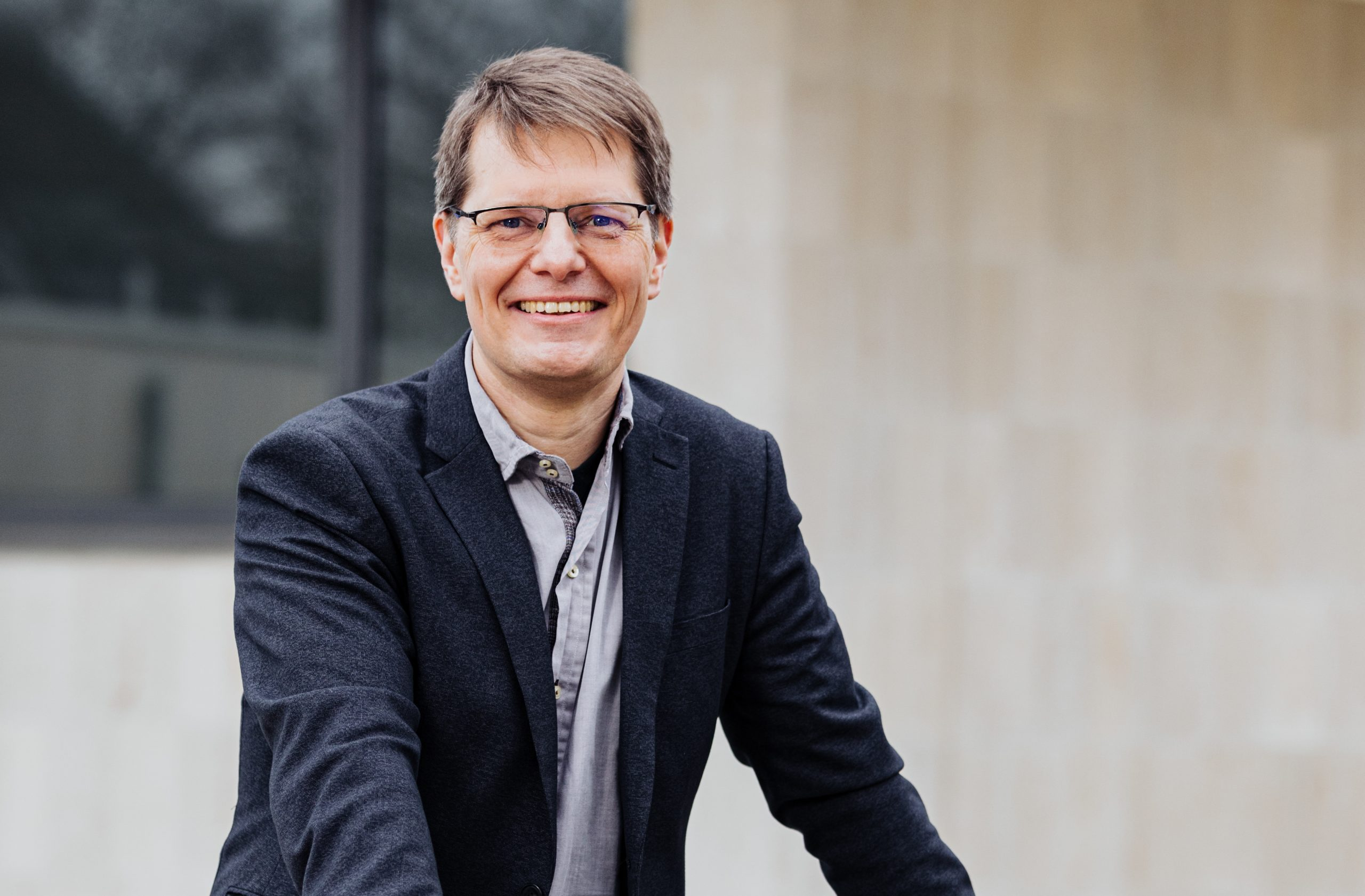Dr. Boris Wolkowski